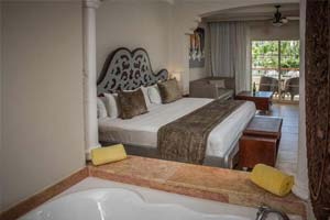 Colonial Club Junior Suite with Jacuzzi - Hotel Majestic Elegance Punta Cana