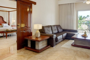 One Bedroom Suite with Jetted Tub - Hotel Majestic Colonial Punta Cana